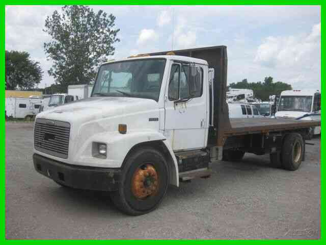 FREIGHTLINER FL70 3126 CAT 6 SPEED SPLICER 20 FOOT FLAT BED (1999)