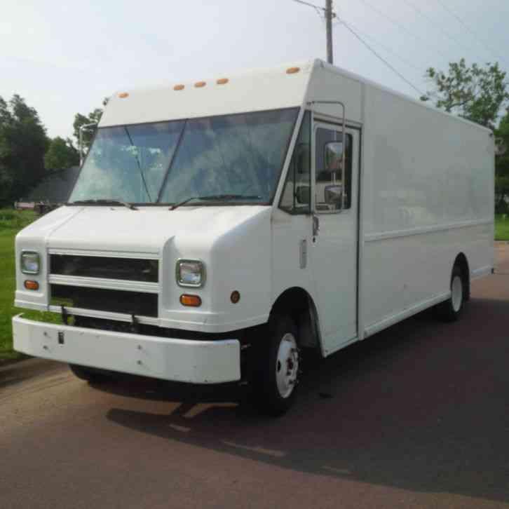 Freightliner Mt55 1999 Van Box Trucks