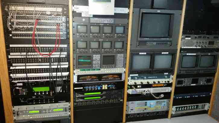 1999 gmc t6500 uplink satellite tv production truck mobile news vehicle eng sng 272003456774 4 gmc t6500 (1999) heavy duty trucks 2000 gmc t6500 wiring diagram at virtualis.co