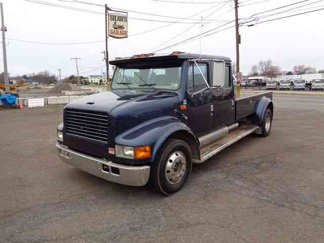 INTERNATIONAL 4700 CREW CAB PICKUP HAULER TRUCK 1999