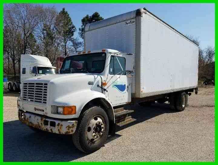 International 4700 1999 Van Box Trucks