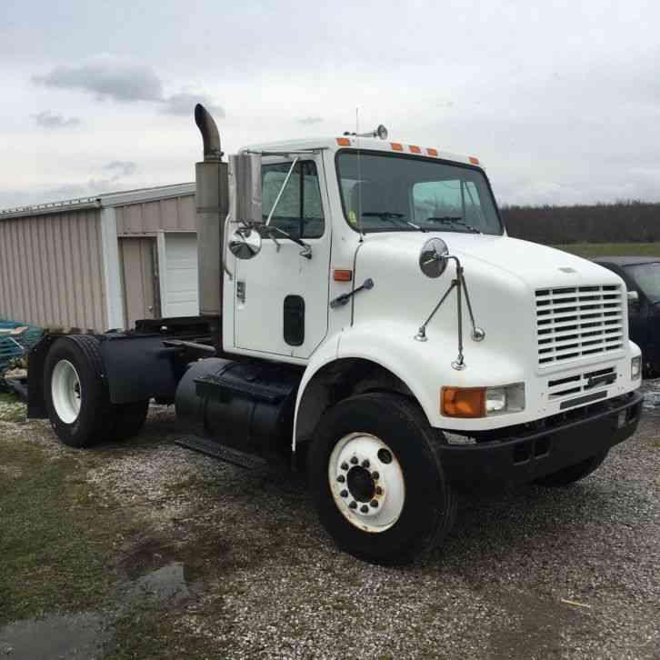 Single Axle Semi Tractors : Gmc s a day cab tractor daycab semi trucks