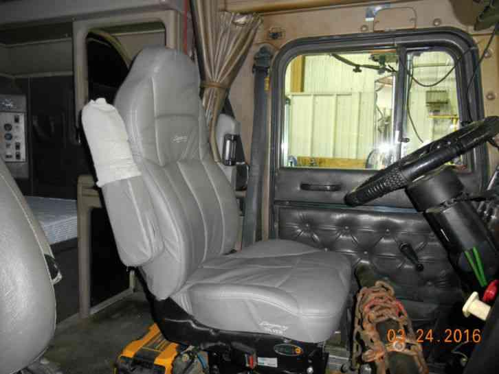 Used International Trucks >> International Navistar 9300 (Eagle) (1999) : Sleeper Semi ...