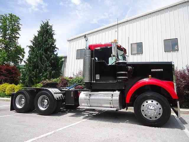 Kenworth W900 (2007) : Daycab Semi Trucks