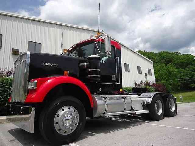 Kenworth W900 1999 Daycab Semi Trucks