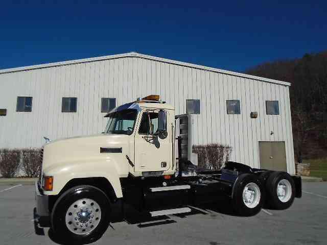 Heavy Truck Pto : Mack ch daycab semi trucks