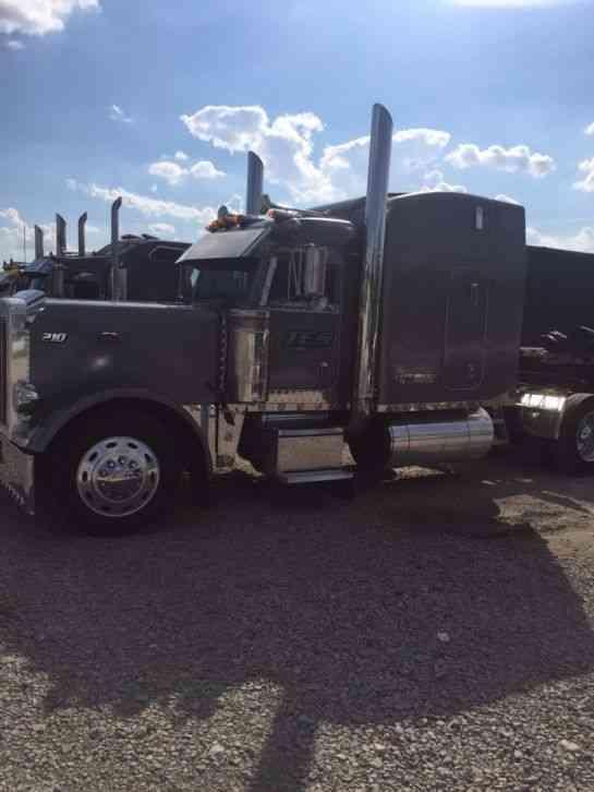 Peterbilt 379 1999 Sleeper Semi Trucks