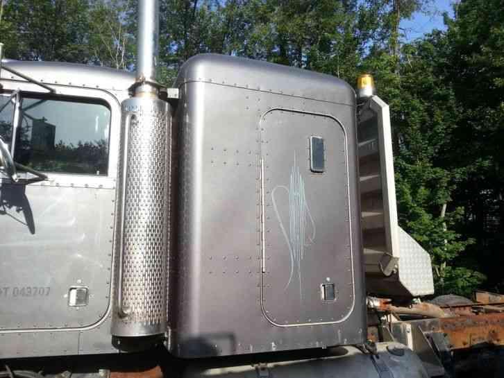 Repo Trucks For Sale >> Peterbilt 378 / 379 / 377 (2000) : Sleeper Semi Trucks