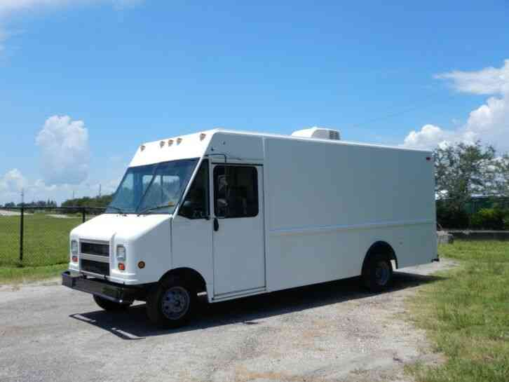 Ford Econoline Step Van (2000)