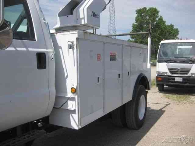 Ford F750 3126 Cat With Altec Ap45 Cable Placer 2000