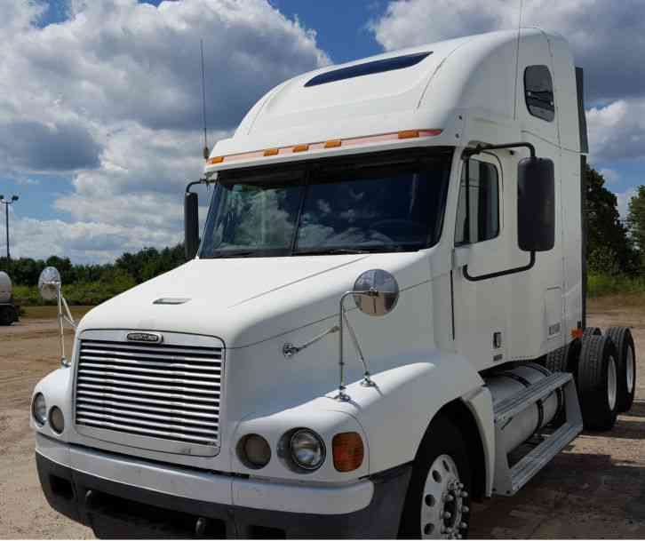 Freightliner Century 2000 Sleeper Semi Trucks
