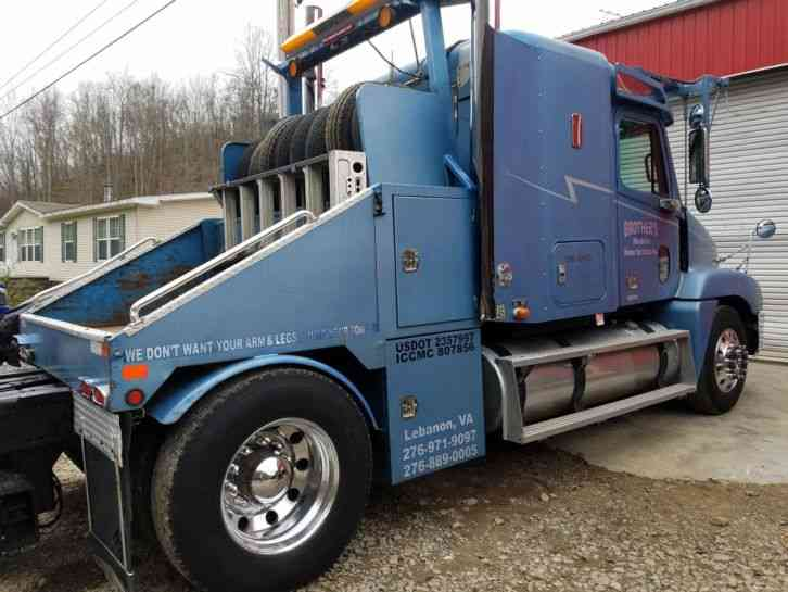 Freightliner Century Cl (2000) : Medium Trucks on six-way hitch, mobile home truck, kingsley fisher power hitch, mobile home trailer hitch, mobile home moving totes, mobile home movers, mobile home towing clip art, two-way hydraulic hitch, mobile home axles,