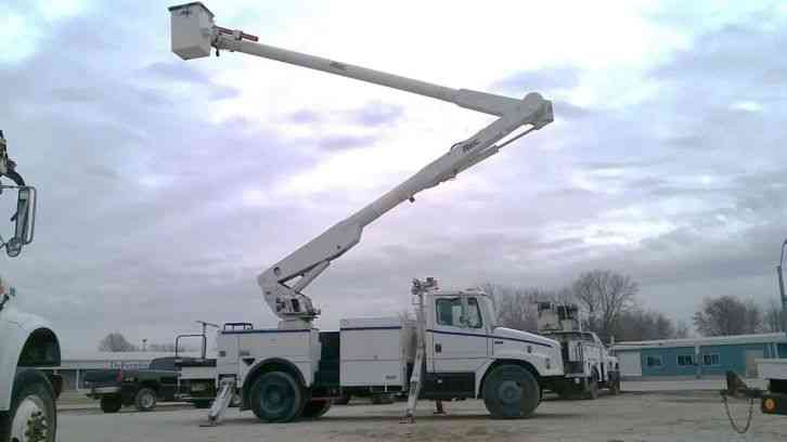 Freightliner FL80 62' Over-Center Bucket Truck (2000)