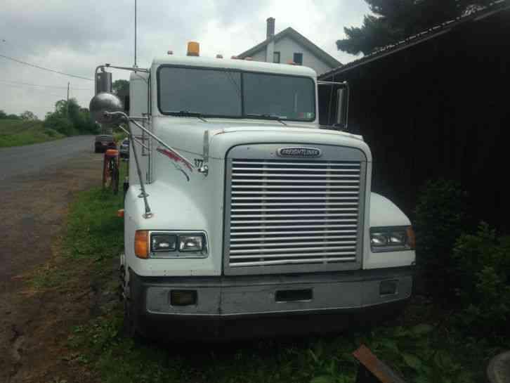 Freightliner FLD 120 (2000) : Sleeper Semi Trucks