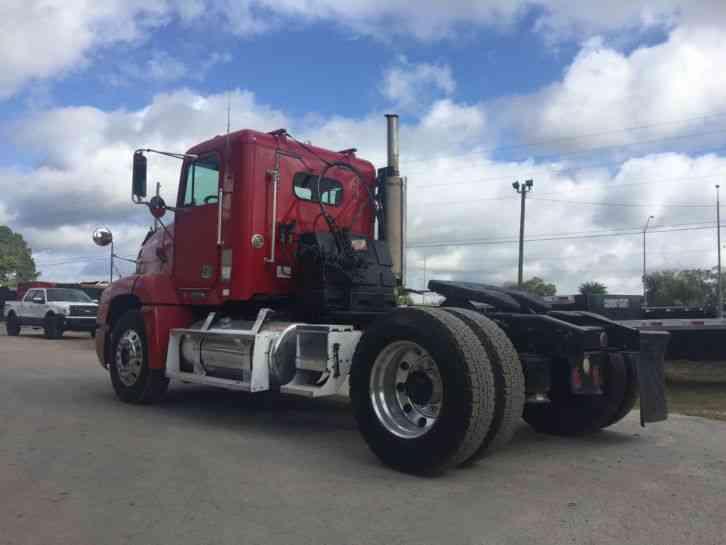 Single Axle Semi Tractors : Freightliner fld daycab semi trucks