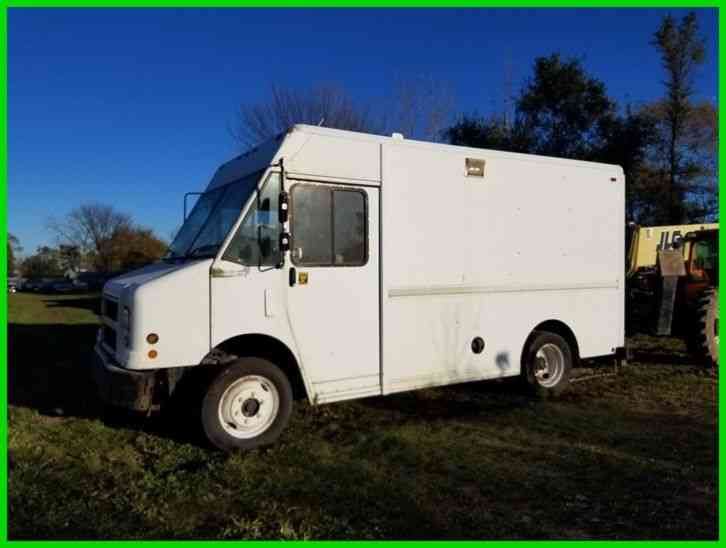 Freightliner MT45 STEPVAN, 5. 9L CUMMINS (2000)