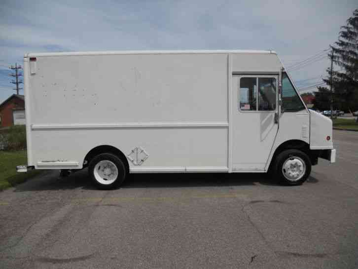 Freightliner Mt45 2000 Van Box Trucks