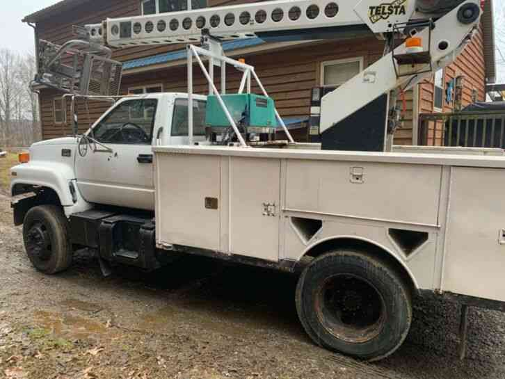 GMC C6500 CABLE PLACING BUCKET BOOM TRUCK (2000)
