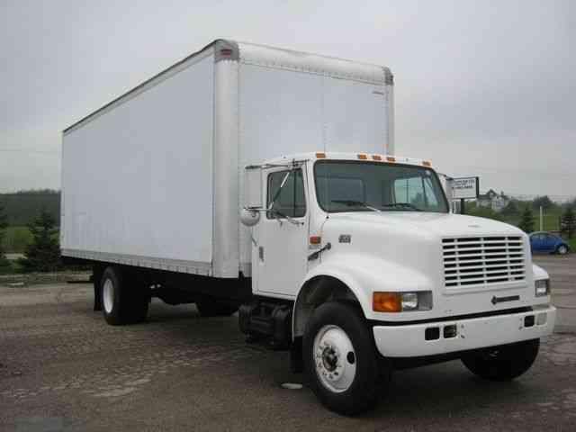 Ford E550 2002 Van Box Trucks