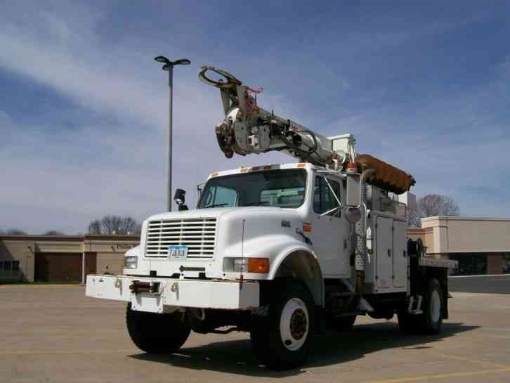 International 4800 4X4 Terex Commander 4045 26, 620 (2000)