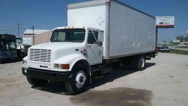 International 4900 Box / Van Truck (2000)