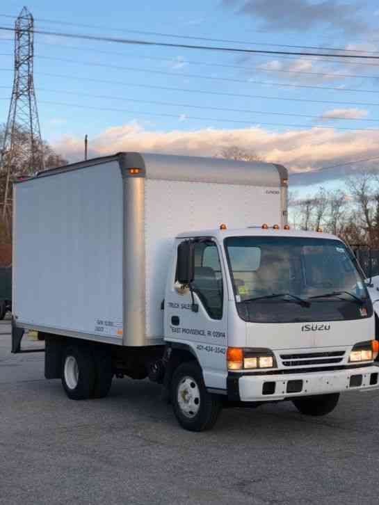 Attractive Isuzu NPR (2000)