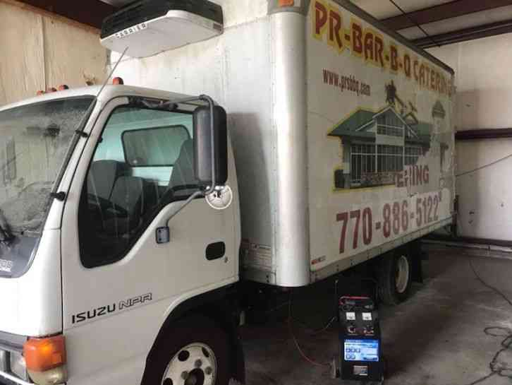 Isuzu Isuzu NPR Refrigerated Box Truck w/Lift Gate (2000)