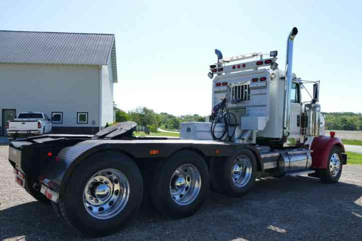 Kenworth W900 2000 Daycab Semi Trucks
