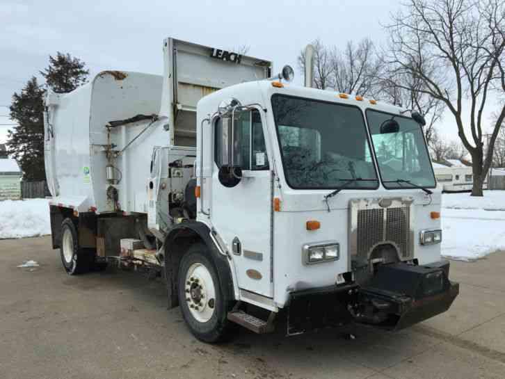 Peterbilt 320 Garbage Truck Side Loader 2000 Heavy