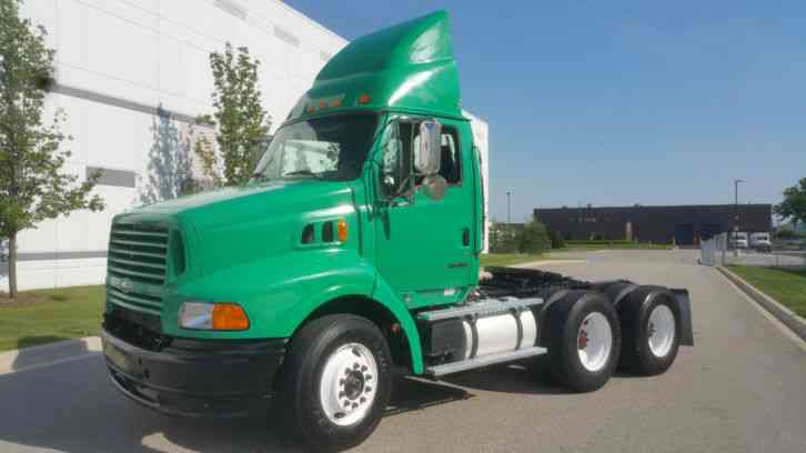 Sterling Ford Freightliner Day Cab Semi Truck Tractor Tandem Axle C12 10 Speed Clean 560K (2000)