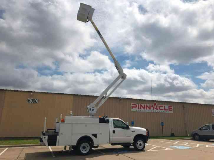 Ford ALTEC BUCKET TRUCK Super Duty F-550 ALTEC AL32A (2001)