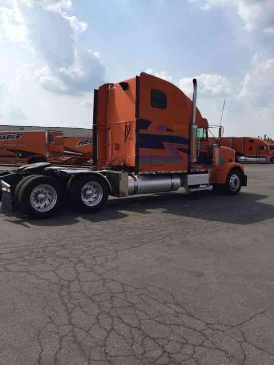 Freightliner 2001 Heavy Duty Trucks