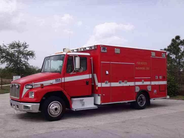 Freightliner FL60 Ambulance (2001)