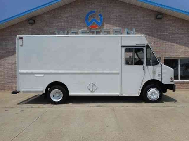 Freightliner Step Van 2001 Van Box Trucks