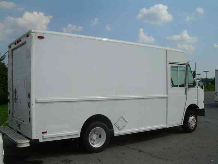 freightliner mt 45 p700 utilimaster 2001 van box trucks. Black Bedroom Furniture Sets. Home Design Ideas