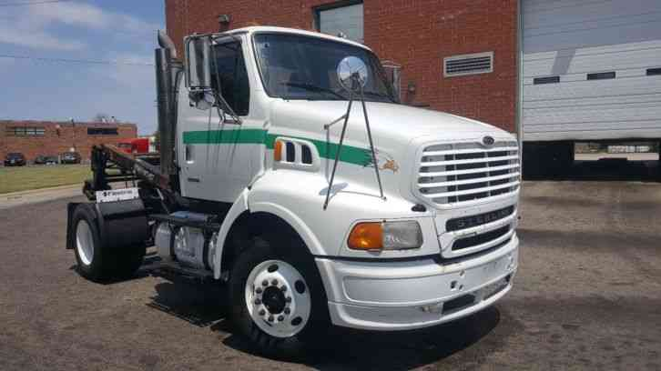 Freightliner Sterling A9500 With Masterlift 5000lb
