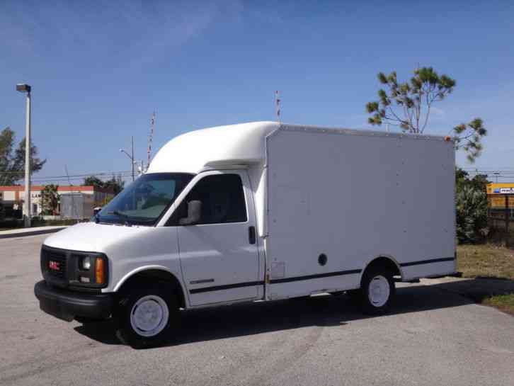 gmc savana 3500 box truck 2001 van box trucks jingletruck com