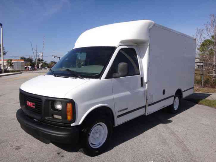 GMC Savana 3500 Box Truck (2001) : Van / Box Trucks