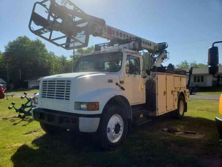 International 4700 Cable Placer (2001)
