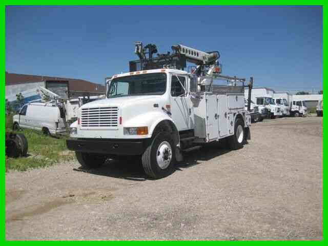 INTERNATIONAL 4700 444E ALLISON WITH TELSTA T40C CABLE PLACER (2001)