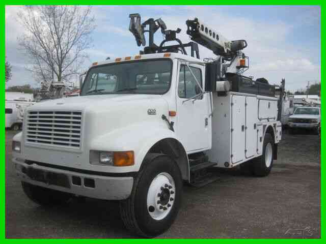 INTERNATIONAL 4700 444E ALLISON WITH TELSTA T40C PRO CABLE PLACER (2001)