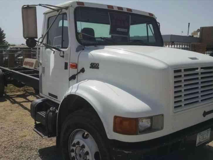 International 4700 2001 Medium Trucks