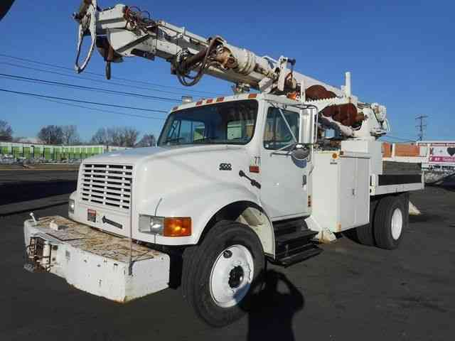 International 4700 Digger Derrick Boom Crane Truck 2001