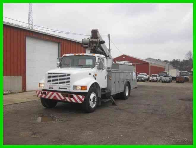 INTERNATIONAL 4700 DT466 AUTO WITH ALTEC TM41 BUCKET/BOOM (2001)