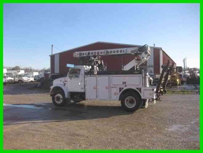INTERNATIONAL 4700 T444E AUTO WITH TELSTA T40C PRO CABLE PLACER (2001)