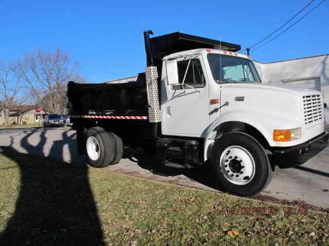International 4800 2001 Utility Service Trucks
