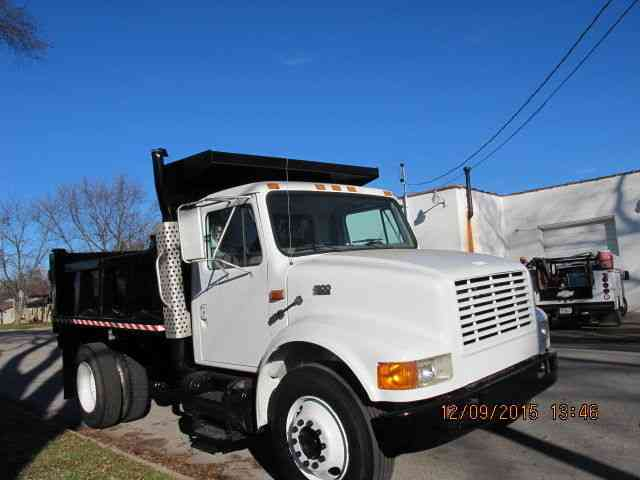 International 4800 2001 Utility Service Trucks