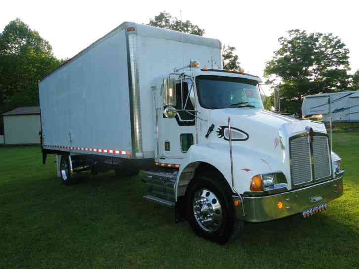 Kenworth Box Truck >> Kenworth T 300 2001 Daycab Semi Trucks