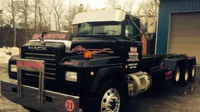 Mack Rd 2001 Heavy Duty Trucks