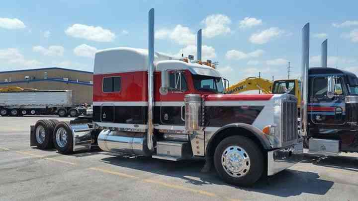 Peterbilt 379 Exhd 2001 Sleeper Semi Trucks